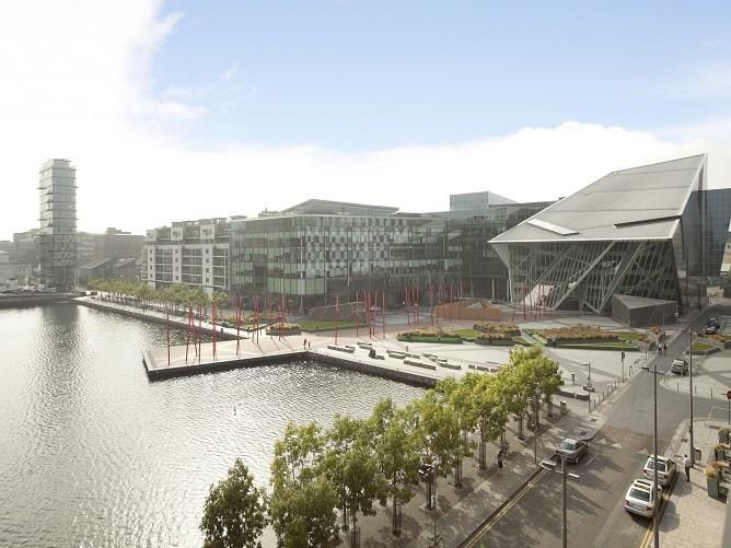 17 Hanover Dock - view