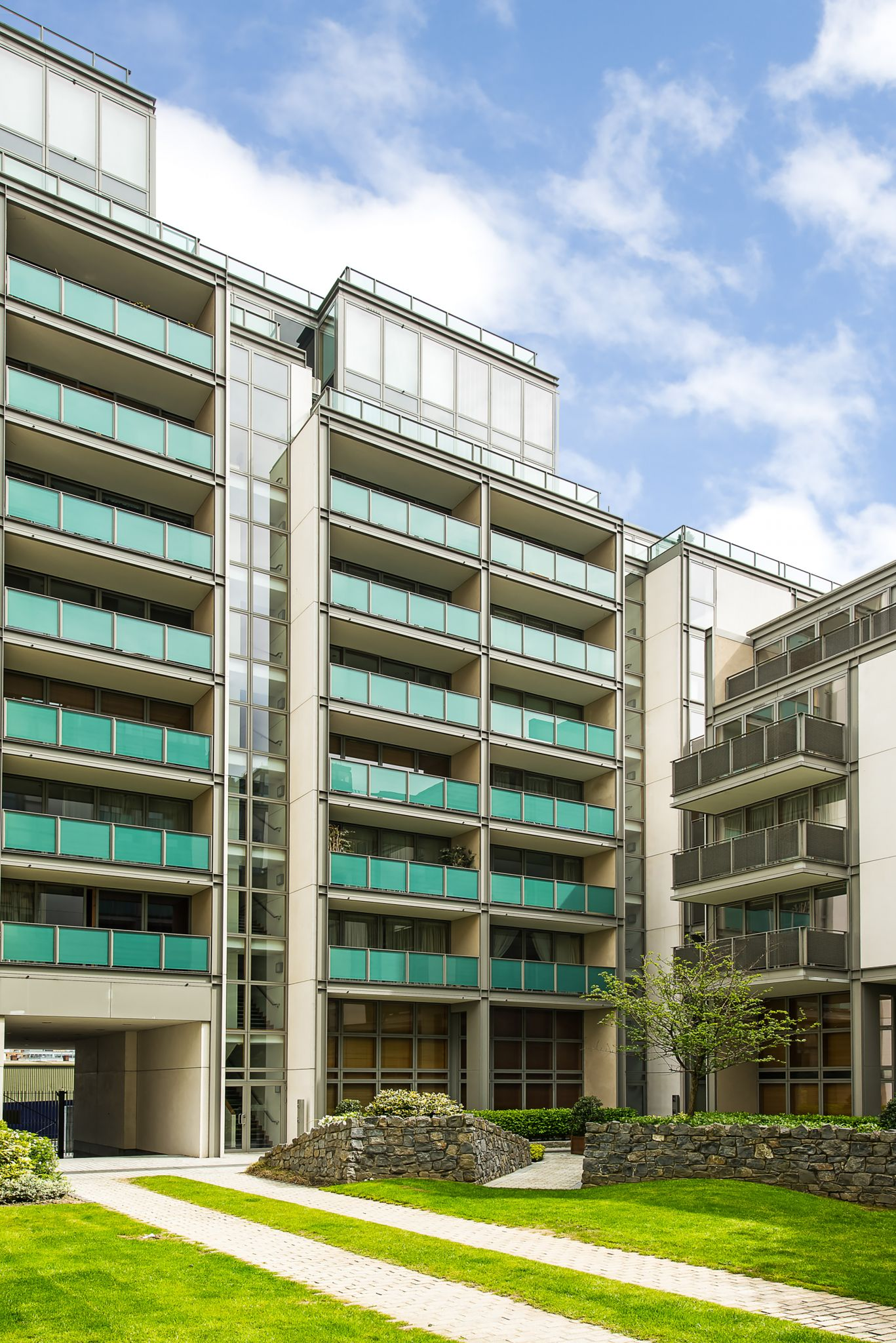 17 pakenham house spencer dock ifsc dublin 1 owen for 1 mcleish terrace pakenham