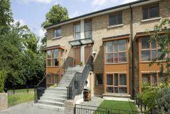18 Merton Crescent - External