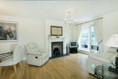 83 Pembroke Square - Living