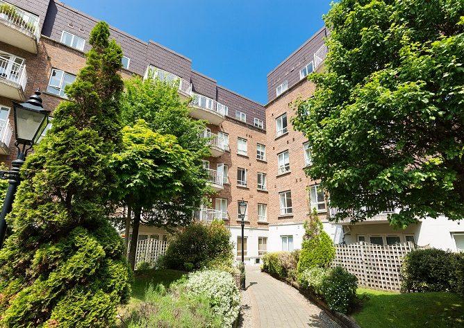 116 Harcourt Green exterior