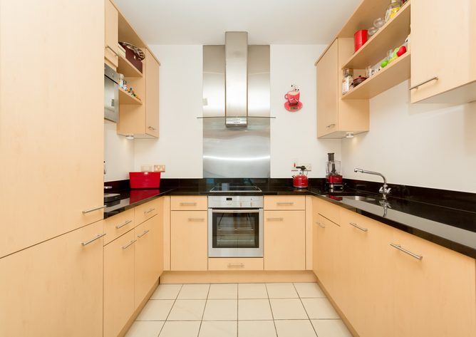 18 Saunders House - Kitchen