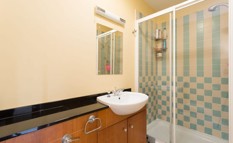MountStAnnes_9_2 milltown av-bathroom2