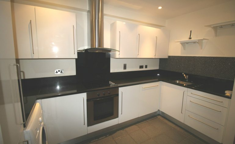 94 Forbes Quay - kitchen