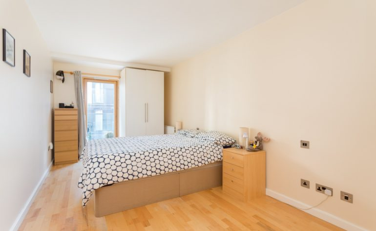 72 Forbes Quay - Bedroom