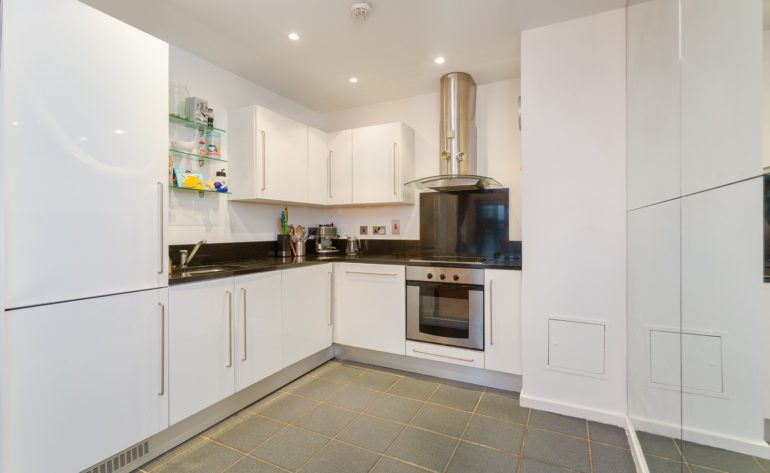 72 Forbes Quay - Kitchen