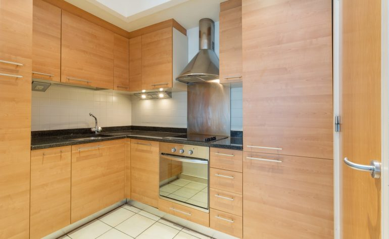 31HanoverDock_Kitchen