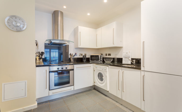 36 Forbes Quay - Kitchen