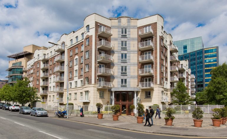 196 Pembroke Square - External front (002)