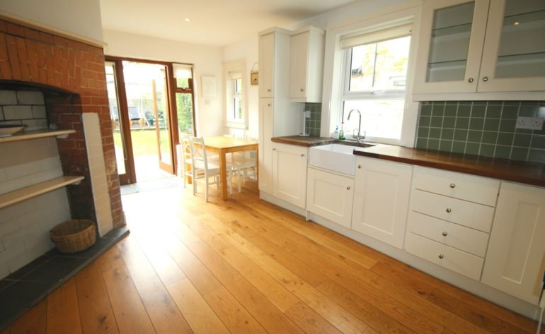 3 Achill Road - kitchen a
