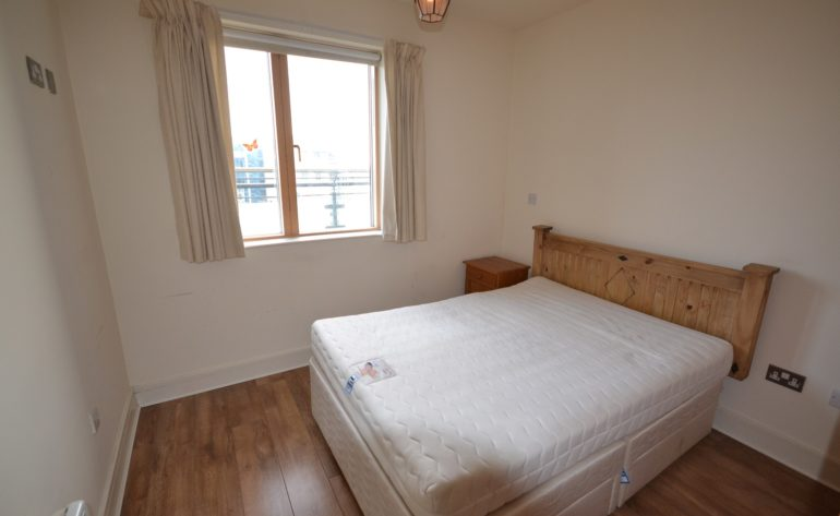 427 Longboat Quay South - bedroom