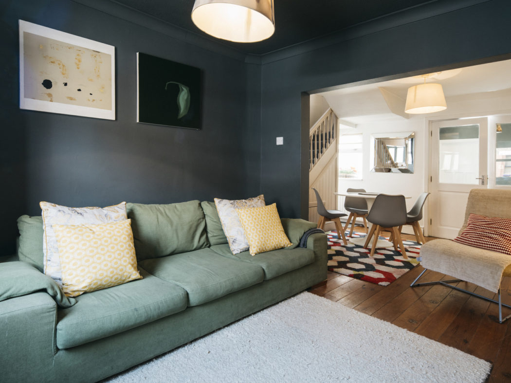 6 South Dock Place - Living room