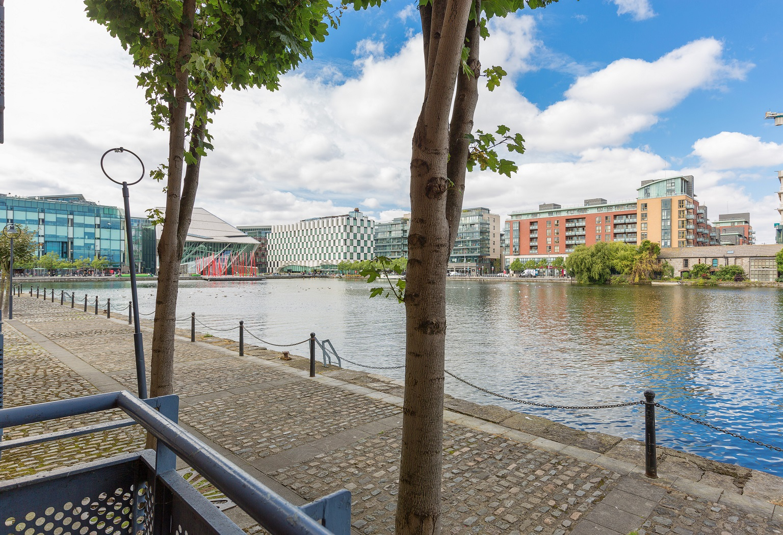 179 The George, Charlotte Quay Dock, Grand Canal Dock