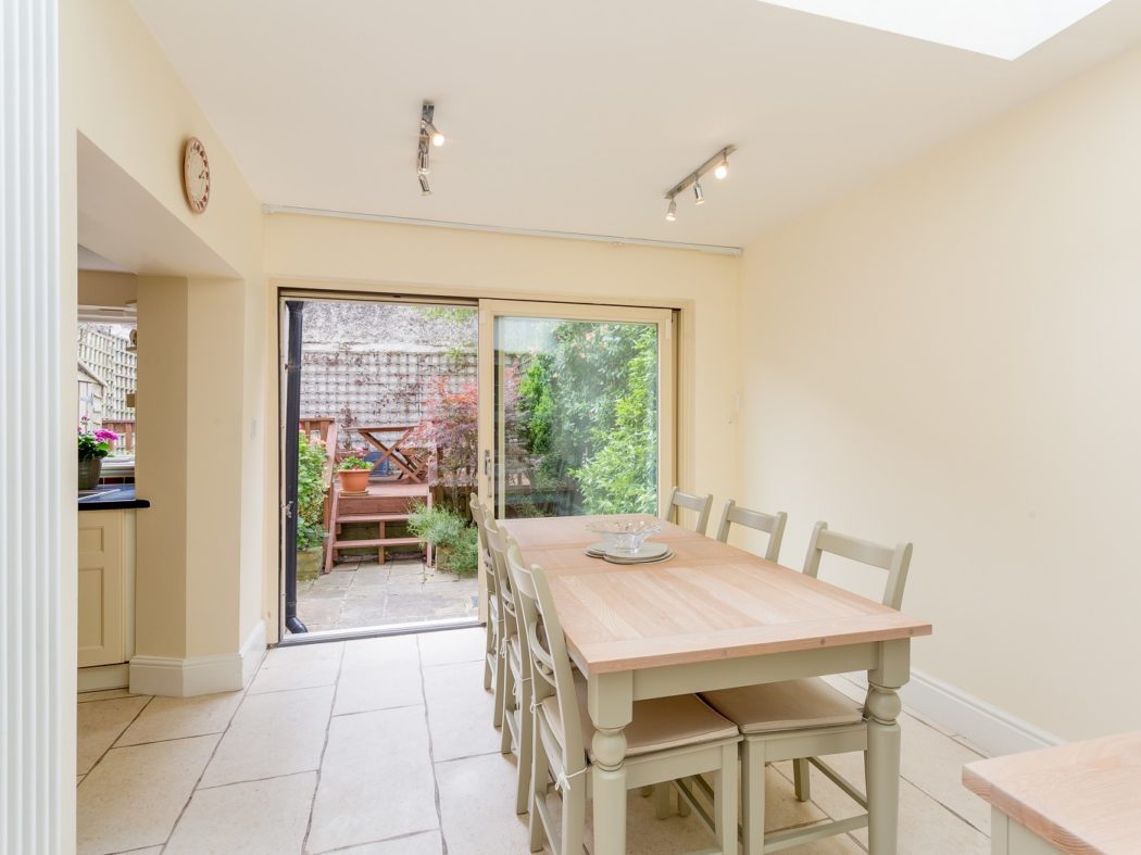 2Bayview_dining