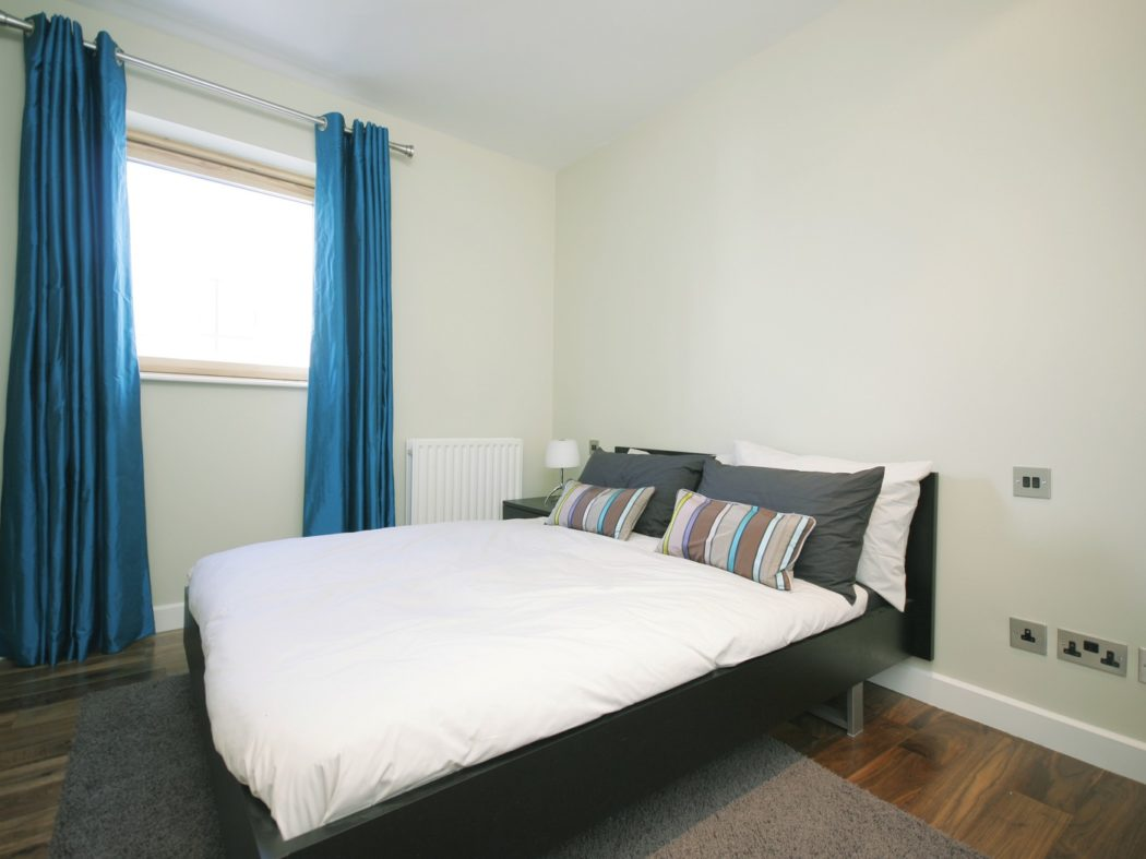 20 Forbes Quay - bedroom 1