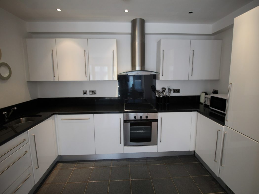 71 Forbes Quay - kitchen