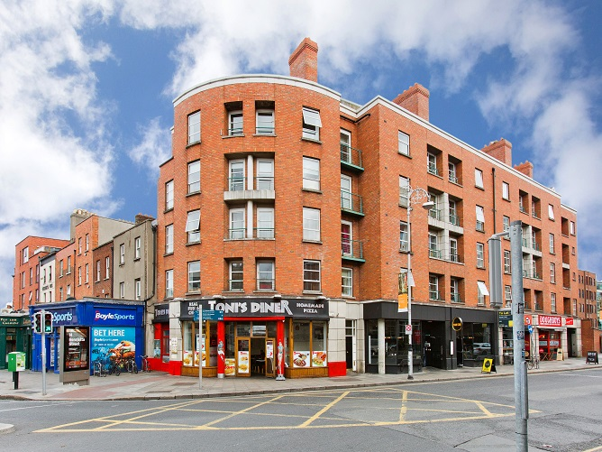 21 Harcourt Hall, Charlotte Way, Dublin 2.