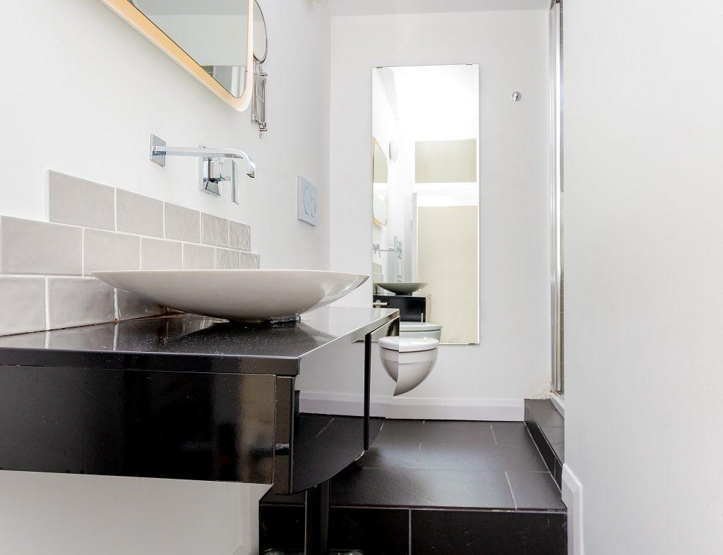 28 Martin St - Bathroom
