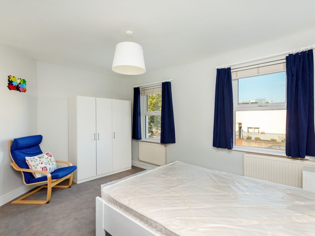 37 Ringsend Road - bedroom 1