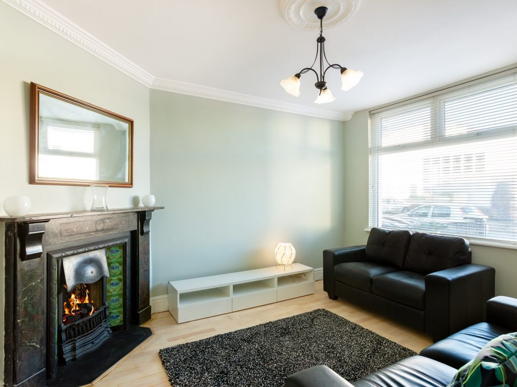 37 Ringsend Road - living room