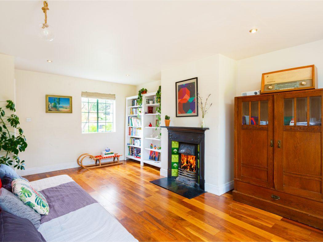 4 Strangford Road - Living room 1