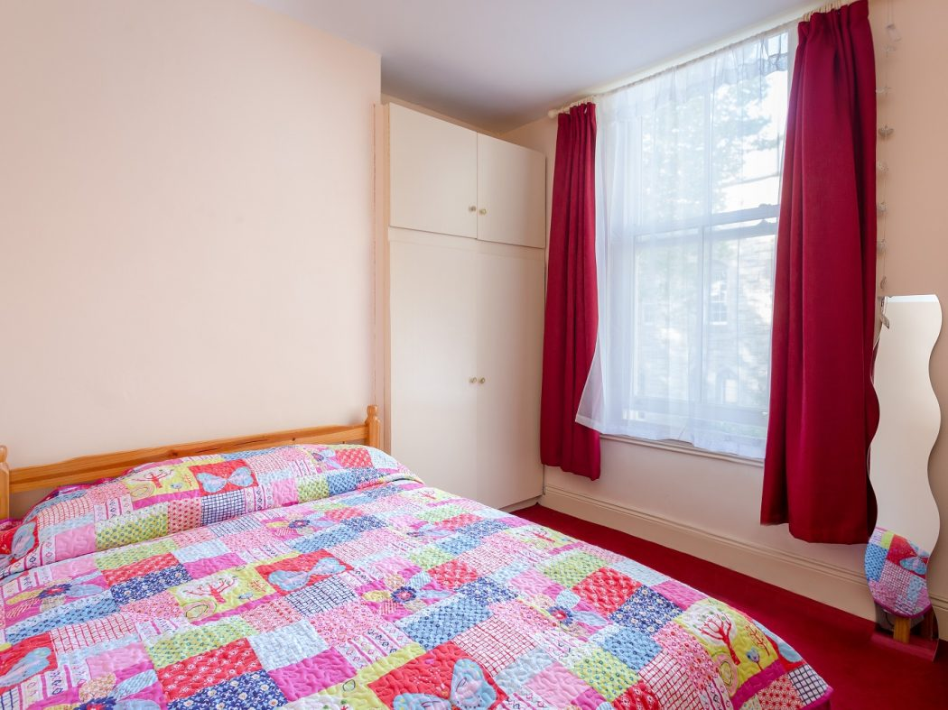 40 Synge St bedroom 1