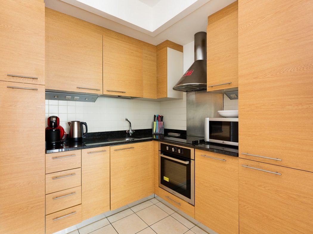 65HanoverDock_Kitchen