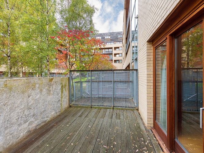 1 Clarion Quay, Block 8 - Terrace