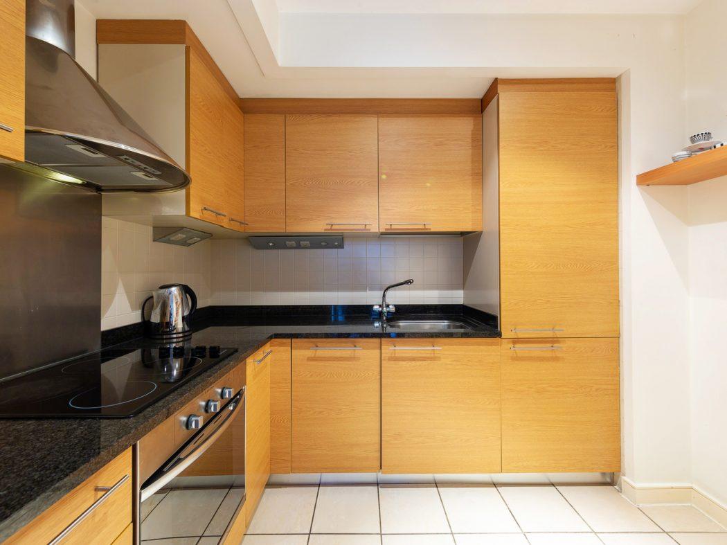 15 Hanover Quarter - Kitchen