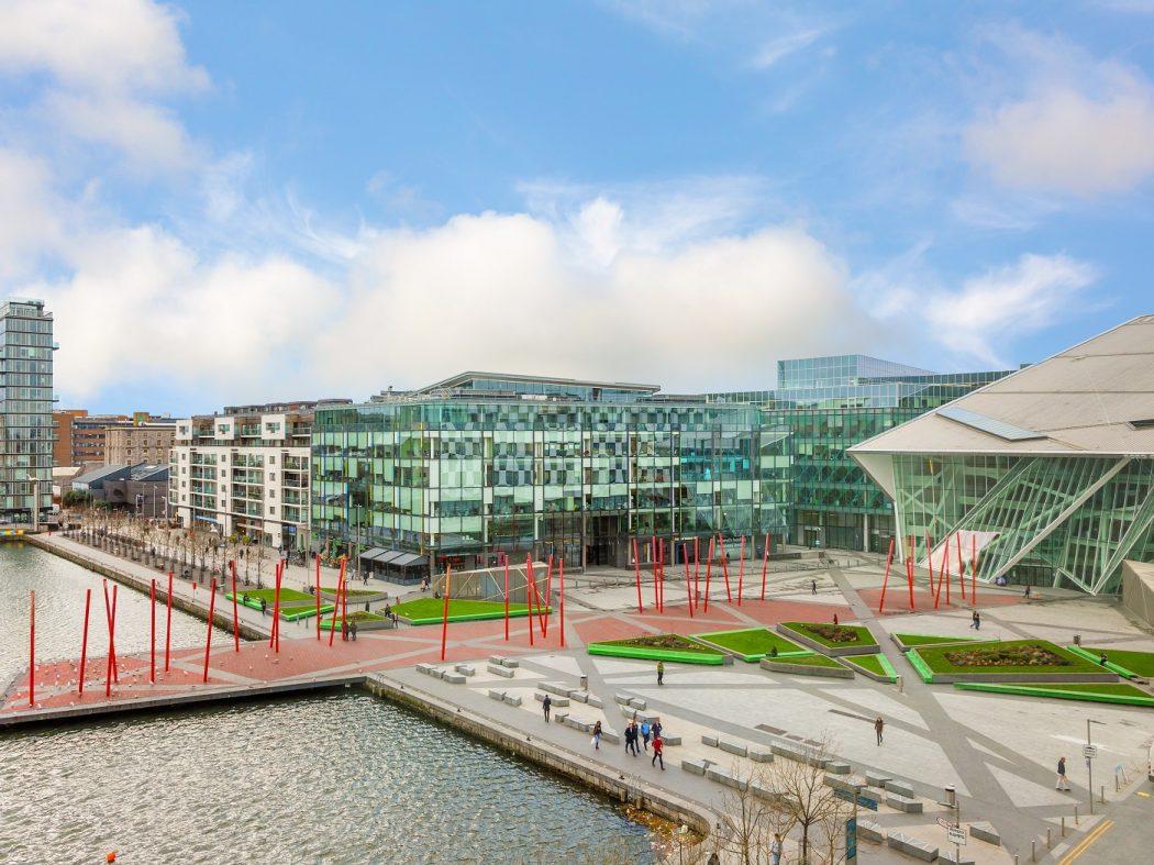 24 Hanover Dock - view
