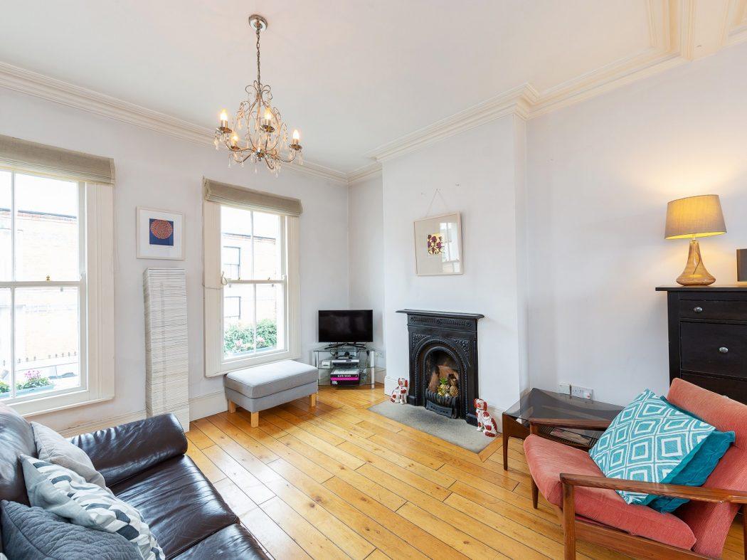 28 St Kevins Parade - Living room