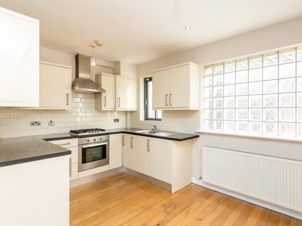 5 Hewardine Terrace - Kitchen