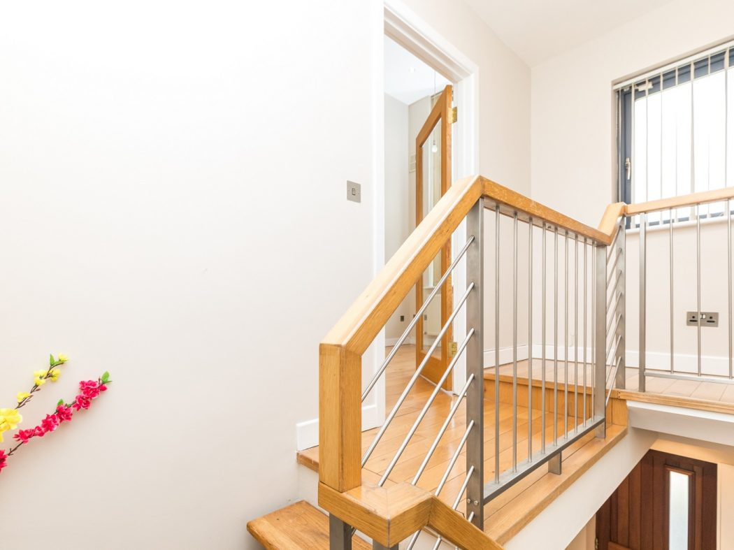 5 Hewardine Terrace - Stairway