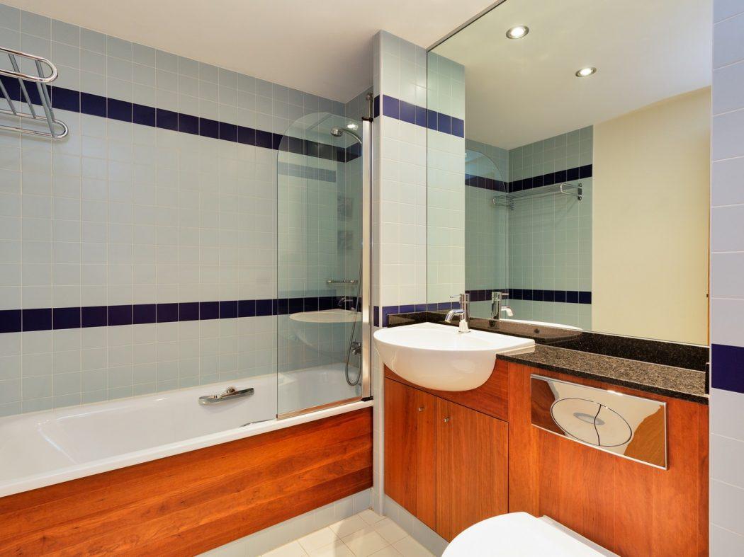 57HanoverRiverside_Bathroom