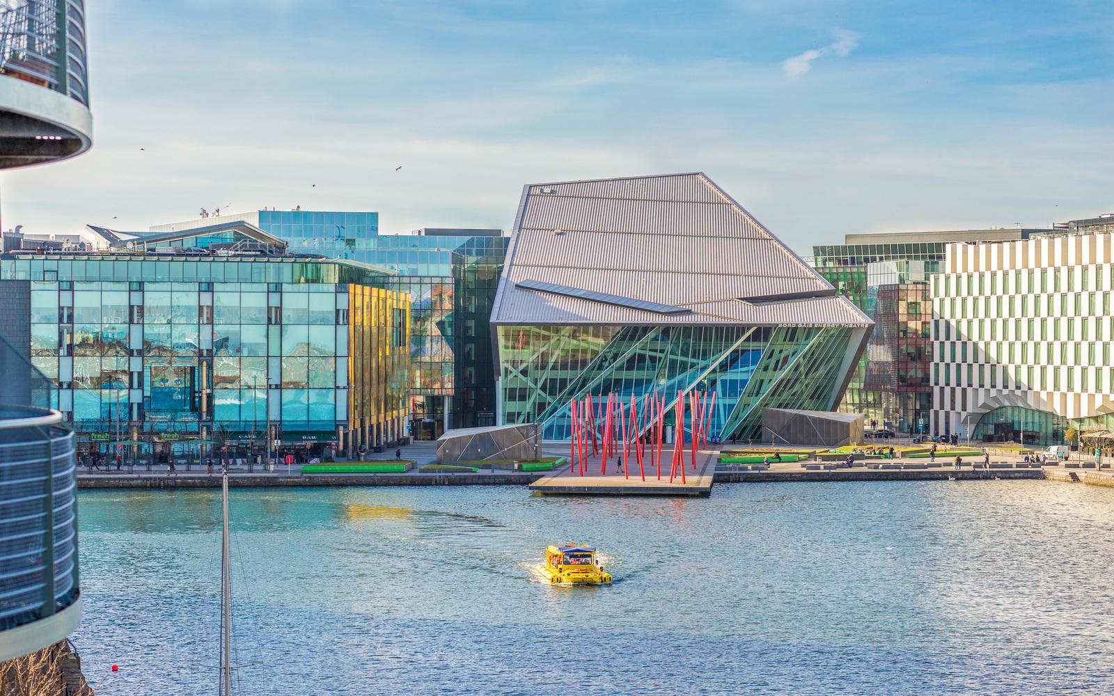 64 The Waterside, Grand Canal Dock, Dublin 4 - Owen Reilly