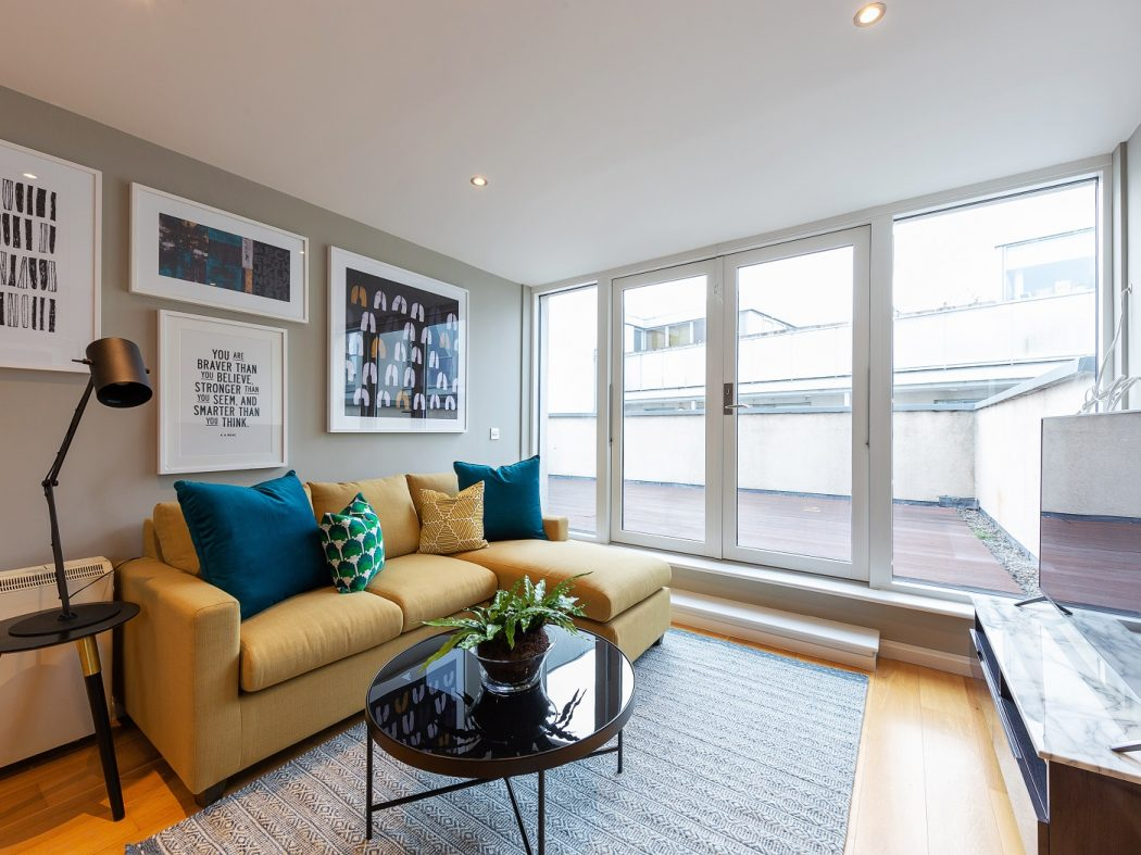 107 Fitzwilliam Point - Living room