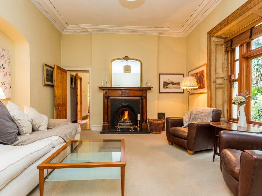 19 Vavasour - Living room