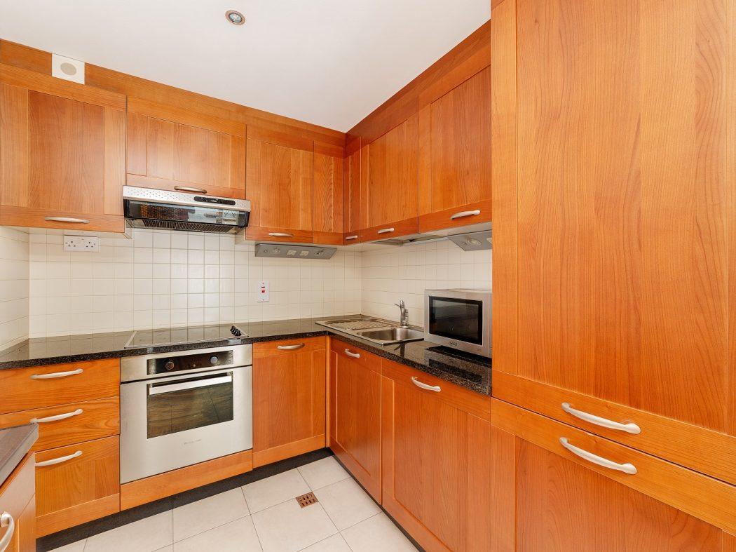703 LBQ South - kitchen