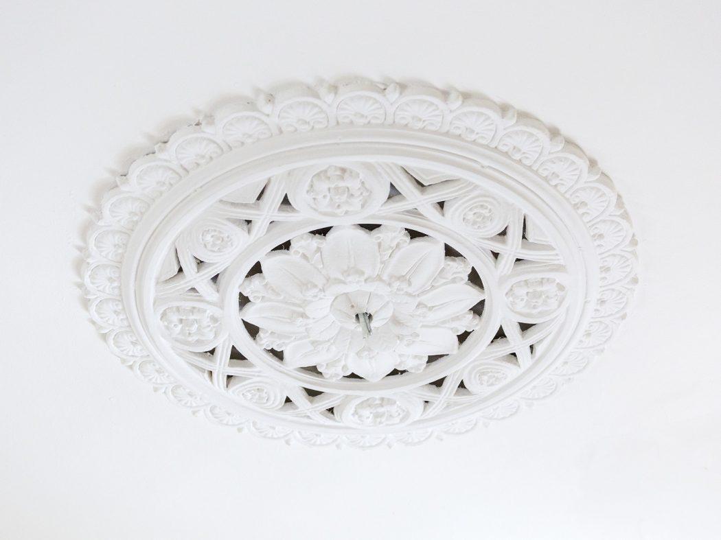 chandelier cornicing