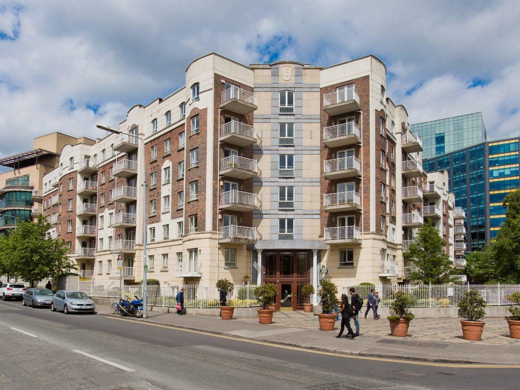 196 Pembroke Square - External front