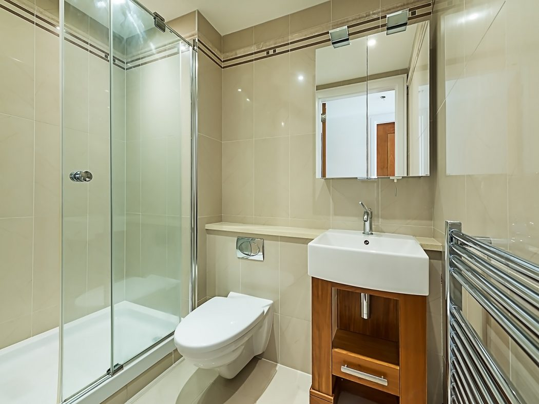 20 Schrewsbury Bathroom (002)