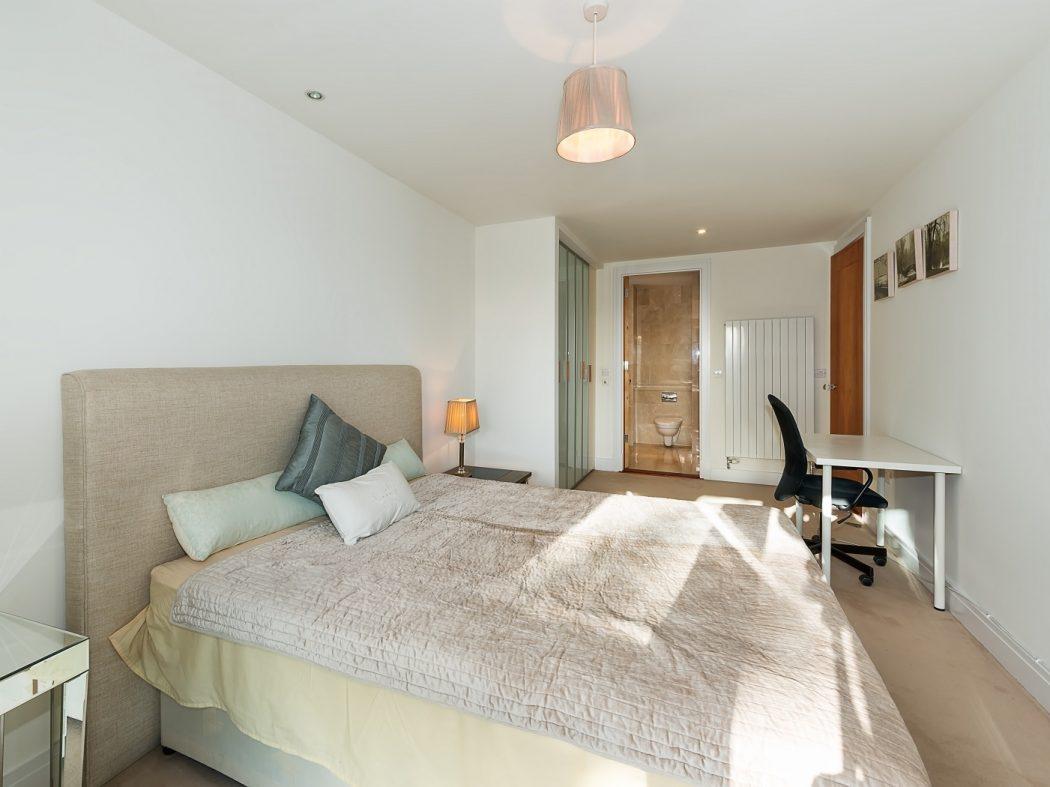 20 Schrewsbury Square 5 Bedroom (002)