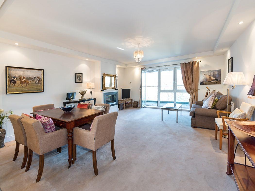 20 Schrewsbury Square Living Room (002)