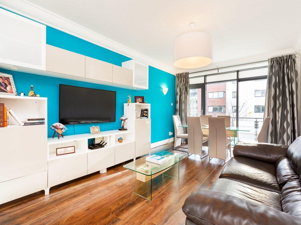 35 Aran House - Living room