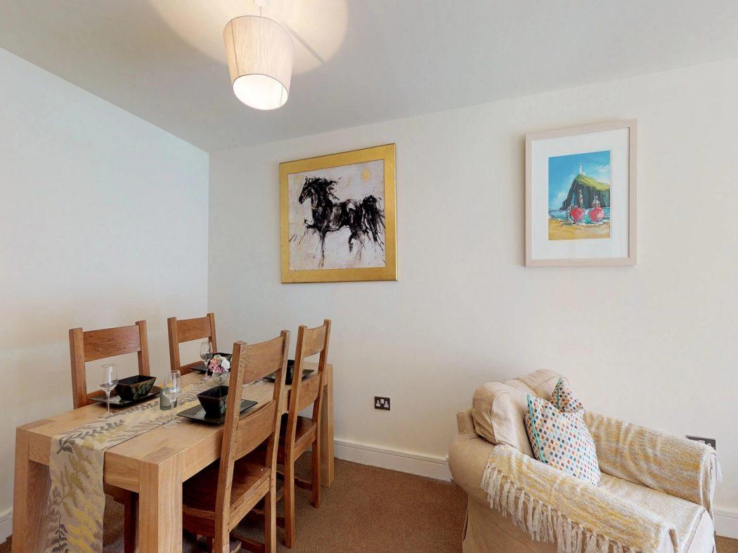 408 Longboat Quay North-Dining room