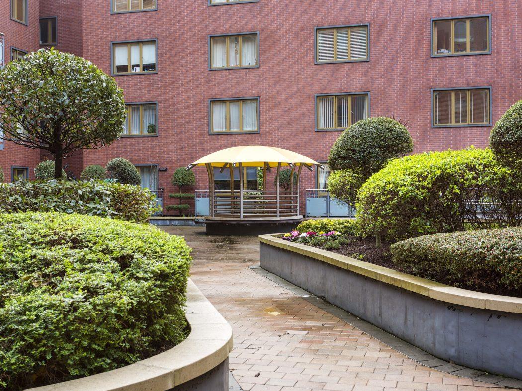 408 Longboat Quay North-Internal Gardens