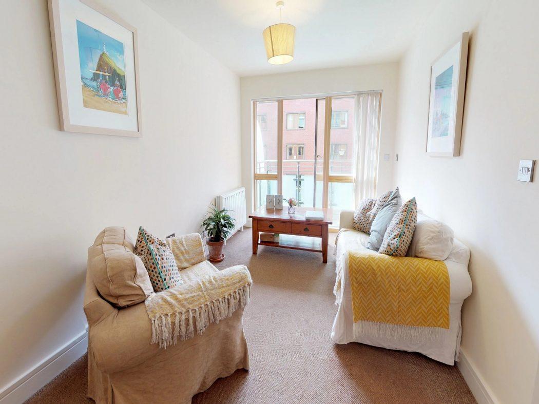 408 Longboat Quay North-Living room