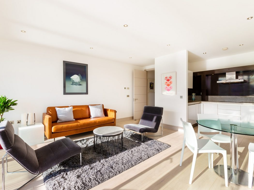 59TheWaterfront_livingroom a
