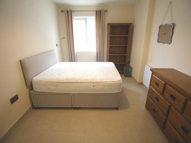 7 Trinity Plaza - bedroom