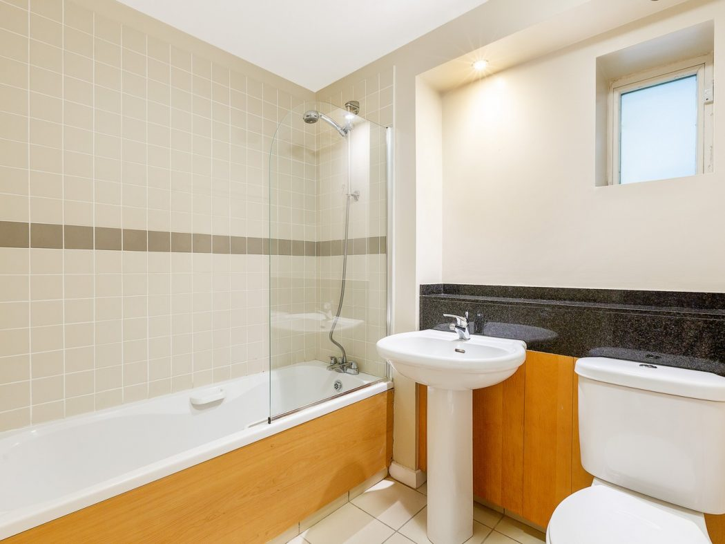 10ThePoolbeg_9_Bathroom